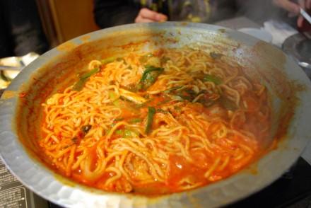 韓国鍋、締めのラーメン