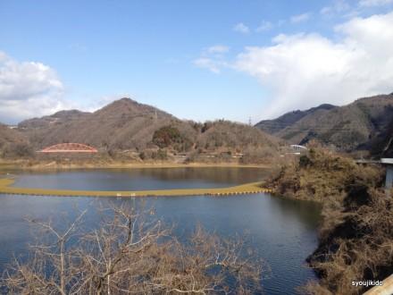 ダム湖 知明湖